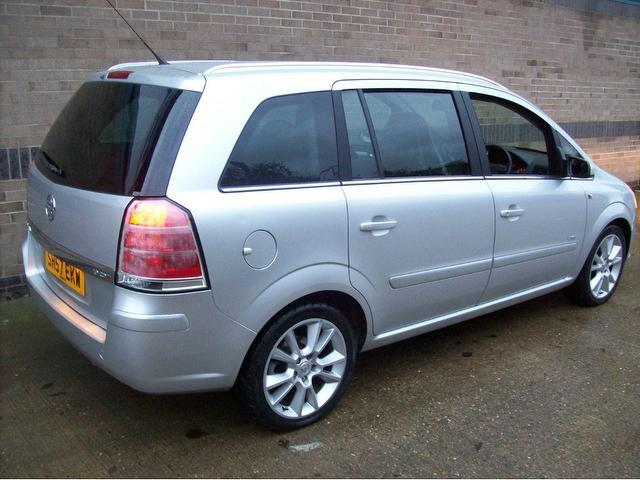 used silver vauxhall zafira 2007 diesel 1 9 cdti design 150bhp estate excellent condition for. Black Bedroom Furniture Sets. Home Design Ideas