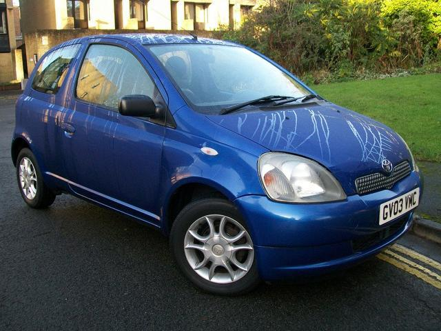 used toyota yaris 2003 petrol 1 0 vvti colour collection hatchback blue with full service. Black Bedroom Furniture Sets. Home Design Ideas