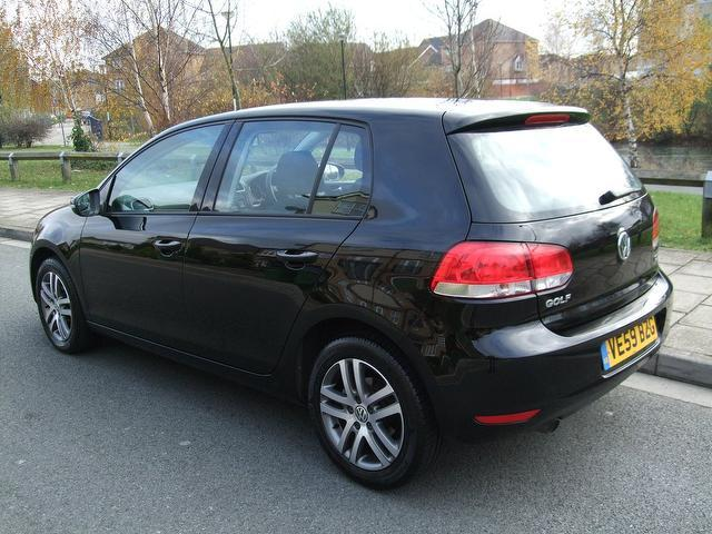 used volkswagen golf 2009 diesel 1 6 tdi 105 se hatchback black edition for sale in portsmouth. Black Bedroom Furniture Sets. Home Design Ideas