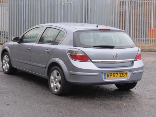 used vauxhall astra car 2007 silver petrol for sale in. Black Bedroom Furniture Sets. Home Design Ideas