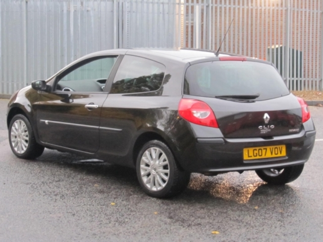 used renault clio 2007 black paint petrol for sale in epsom uk autopazar. Black Bedroom Furniture Sets. Home Design Ideas