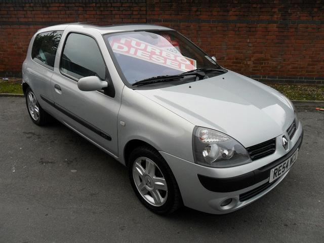 used renault clio 2004 manual diesel 1 5 dci 100bhp dynamique silver for sale uk autopazar. Black Bedroom Furniture Sets. Home Design Ideas