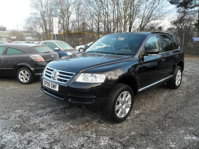 used volkswagen touareg 2006 model 2 5 tdi se sport diesel. Black Bedroom Furniture Sets. Home Design Ideas