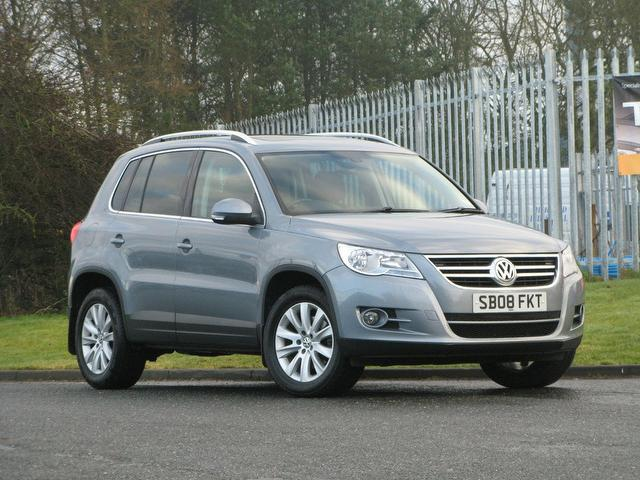 used grey volkswagen tiguan 2008 diesel 2 0 tdi se 5dr 4x4. Black Bedroom Furniture Sets. Home Design Ideas