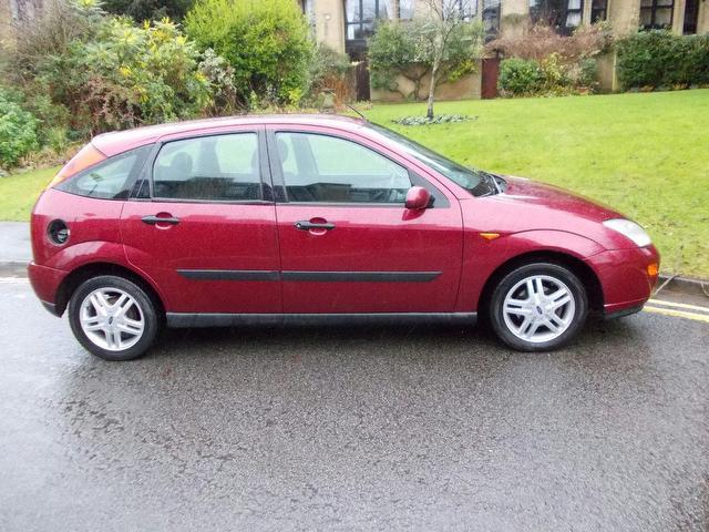 used ford focus 2000 manual petrol 1 6 zetec 5 door red for sale uk rh autopazar co uk 2000 Ford Focus 2.0 Engine 2000 Ford Focus 2.0 Engine