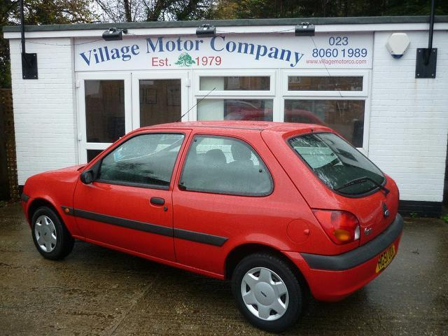 used ford fiesta 2001 manual petrol 1 3 fun 5 door red for sale uk autopazar. Black Bedroom Furniture Sets. Home Design Ideas