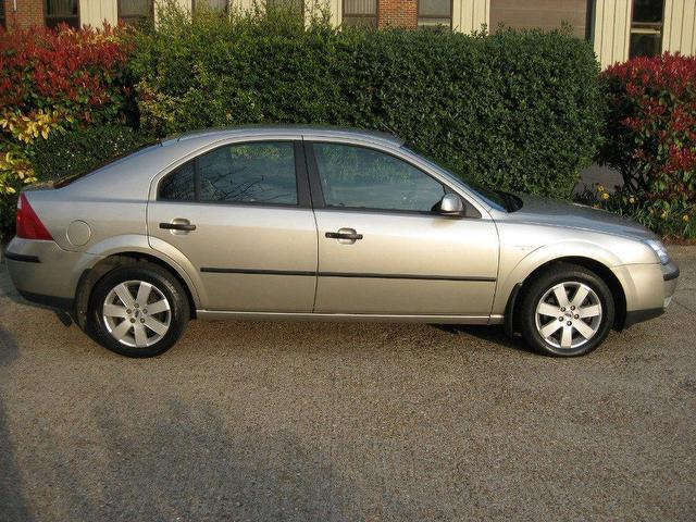 used ford mondeo 2005 petrol 1 8 silver 5dr hatchback grey for sale in sittingbourne uk autopazar. Black Bedroom Furniture Sets. Home Design Ideas