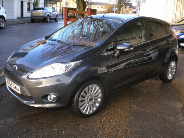 used ford fiesta 2010 petrol 1 4 titanium 5dr auto. Black Bedroom Furniture Sets. Home Design Ideas