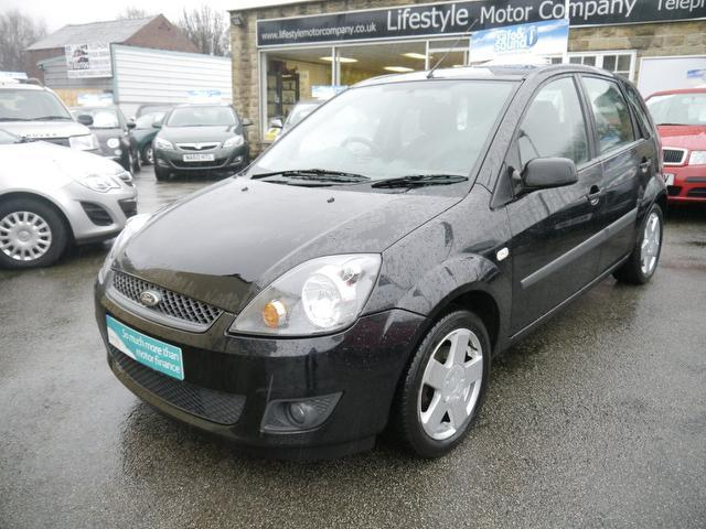 used ford fiesta 2006 black colour petrol 1 4 zetec 5 door auto hatchback for sale in wakefield. Black Bedroom Furniture Sets. Home Design Ideas