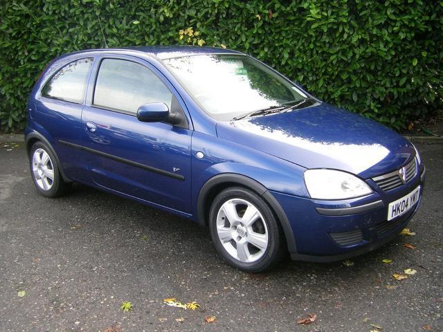 used vauxhall corsa 2004 petrol 16v energy 3dr hatchback blue with air conditioning for. Black Bedroom Furniture Sets. Home Design Ideas