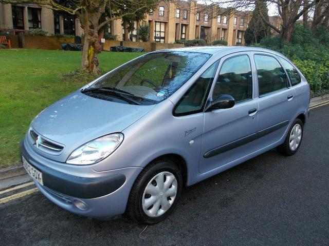 used blue citroen xsara 2002 petrol picasso sx 5dr estate in great condition for sale. Black Bedroom Furniture Sets. Home Design Ideas