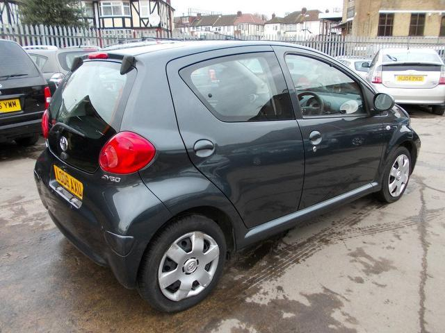 used toyota aygo 2008 grey colour petrol 1 0 vvt i 5. Black Bedroom Furniture Sets. Home Design Ideas