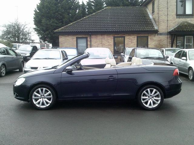 used volkswagen eos 2009 blue paint diesel 2 0 tdi cr se convertible for sale in fengate uk. Black Bedroom Furniture Sets. Home Design Ideas