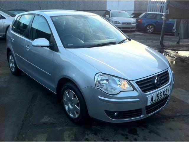 used volkswagen polo 2005 silver paint petrol 1 2 s 64 5dr hatchback for sale in wembley uk. Black Bedroom Furniture Sets. Home Design Ideas