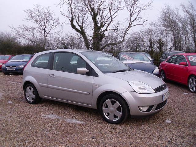 Used Ford Fiesta 2005 Silver Colour Petrol 1 4 Zetec 3