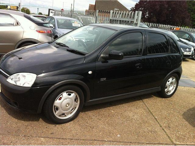 used vauxhall corsa 2001 16v sri 5dr black for sale in ashford uk autopazar. Black Bedroom Furniture Sets. Home Design Ideas
