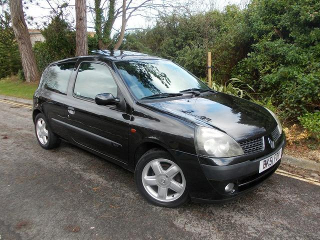used 2001 renault clio hatchback 1 2 16v dynamique 3dr petrol for sale in keynsham uk autopazar. Black Bedroom Furniture Sets. Home Design Ideas