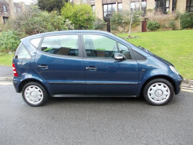 Used mercedes benz 2004 blue colour petrol class a140l for Used mercedes benz a class for sale