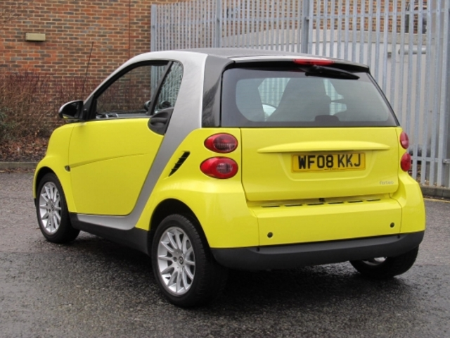 used smart fortwo 2008 unleaded coupe silver edition for sale in epsom uk autopazar. Black Bedroom Furniture Sets. Home Design Ideas
