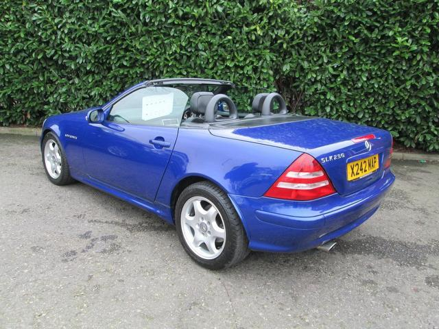 Used blue mercedes benz 2000 petrol 230k 2dr tip auto for Used convertible mercedes benz for sale