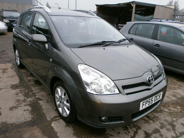 used toyota corolla 2005 grey colour diesel verso 2 2 d 4d. Black Bedroom Furniture Sets. Home Design Ideas