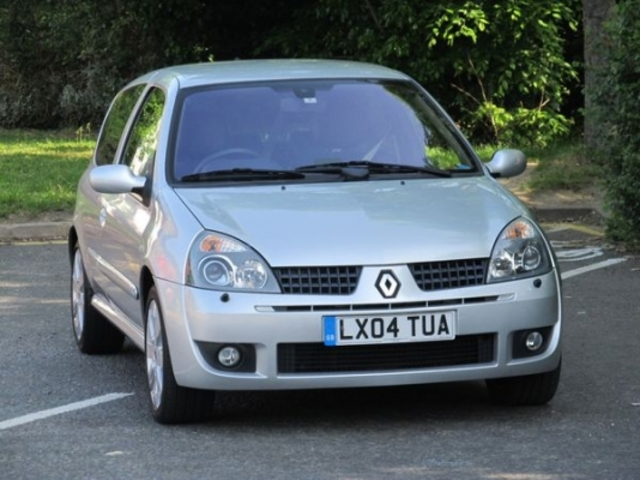 used renault clio 2004 petrol silver for sale in epsom uk autopazar. Black Bedroom Furniture Sets. Home Design Ideas