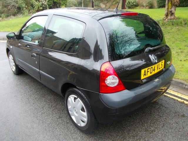 used 2004 renault clio hatchback 1 2 16v expression 3dr petrol for sale in keynsham uk autopazar. Black Bedroom Furniture Sets. Home Design Ideas