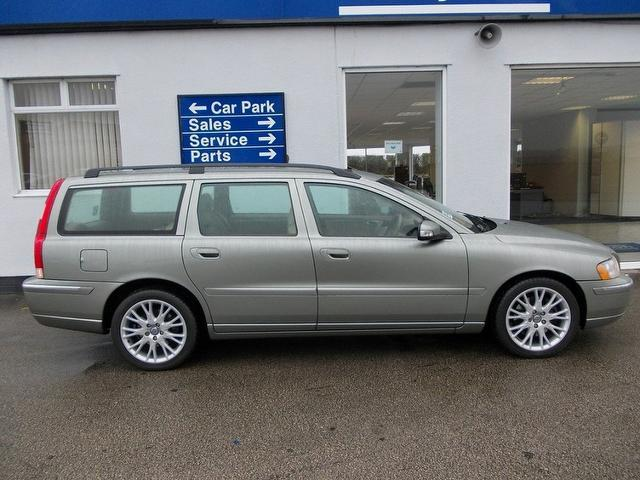 used volvo v70 2007 diesel d5 se 5dr geartronic estate green edition for sale in wirral uk. Black Bedroom Furniture Sets. Home Design Ideas