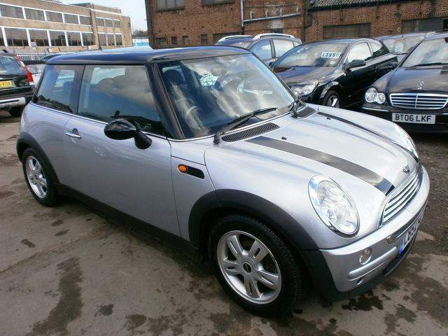 used 2003 mini 1 6 hatchback cooper 3dr auto petrol for sale in wembley uk autopazar. Black Bedroom Furniture Sets. Home Design Ideas
