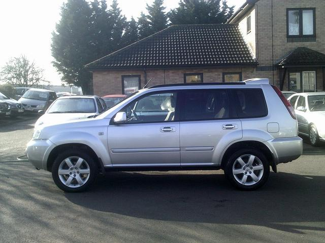used nissan x trail 2006 diesel 2 2 dci 136 columbia 4x4 silver edition for sale in fengate uk. Black Bedroom Furniture Sets. Home Design Ideas