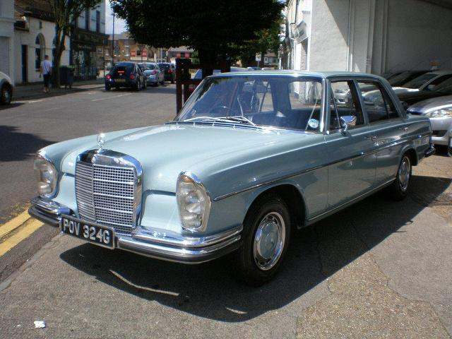 used mercedes benz 1969 petrol se classic 4 dr saloon blue automatic for sale in gravesend uk. Black Bedroom Furniture Sets. Home Design Ideas