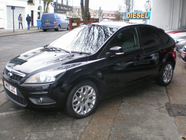 used ford focus 2010 diesel 1 6 tdci zetec 5dr hatchback. Black Bedroom Furniture Sets. Home Design Ideas