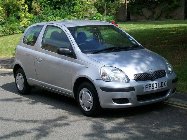 used toyota yaris 2003 petrol 1 0 vvt i t2 3dr hatchback manual for sale in keynsham uk autopazar. Black Bedroom Furniture Sets. Home Design Ideas