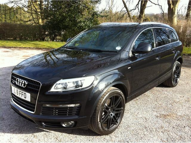used audi q7 2006 black colour diesel 3 0 tdi quattro s. Black Bedroom Furniture Sets. Home Design Ideas