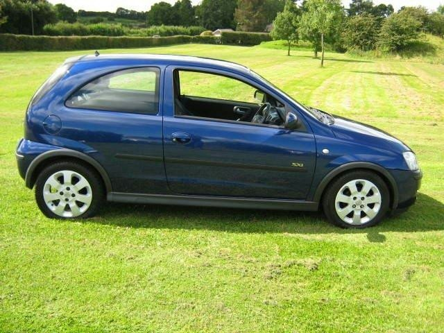 used vauxhall corsa 2005 petrol 16v sxi 80. Black Bedroom Furniture Sets. Home Design Ideas