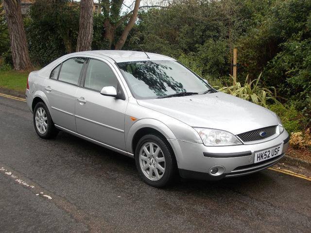 used ford mondeo 2002 manual diesel 130 zetec 5 door silver for sale uk autopazar. Black Bedroom Furniture Sets. Home Design Ideas