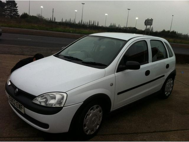 used vauxhall corsa 2002 model 16v elegance 5dr petrol hatchback white for sale in ashford. Black Bedroom Furniture Sets. Home Design Ideas