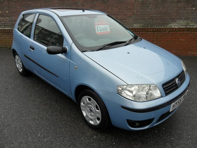 used fiat punto 2005 manual petrol 1 2 16v active sport blue for sale uk autopazar. Black Bedroom Furniture Sets. Home Design Ideas