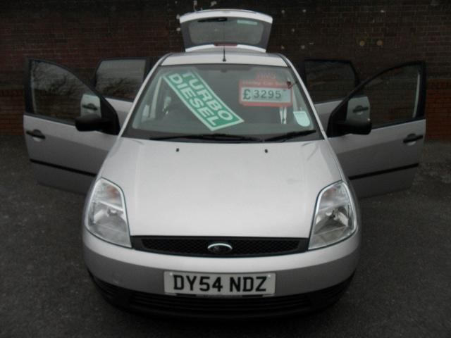 used ford fiesta 2004 silver paint diesel 1 4 tdci finesse 5dr hatchback for sale in southampton. Black Bedroom Furniture Sets. Home Design Ideas