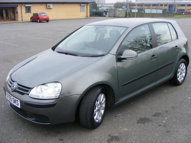 used volkswagen golf 1 6 se fsi 5 door alloys cle hatchback green 2005 309497. Black Bedroom Furniture Sets. Home Design Ideas