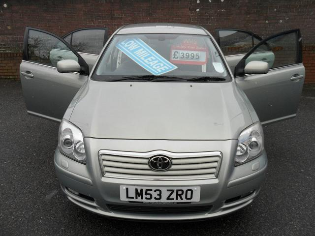 Used Toyota Avensis 2.4 Vvt-i T Spirit Saloon Green 2004 Petrol for Sale in UK