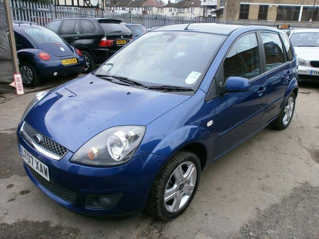used ford fiesta 2007 petrol 1 4 zetec 5dr climate. Black Bedroom Furniture Sets. Home Design Ideas