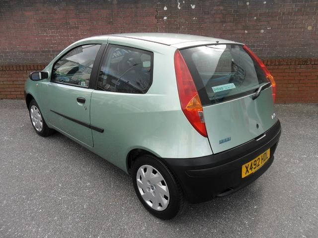 used fiat punto 2001 petrol 1 2 mia 3dr xx hatchback green with car