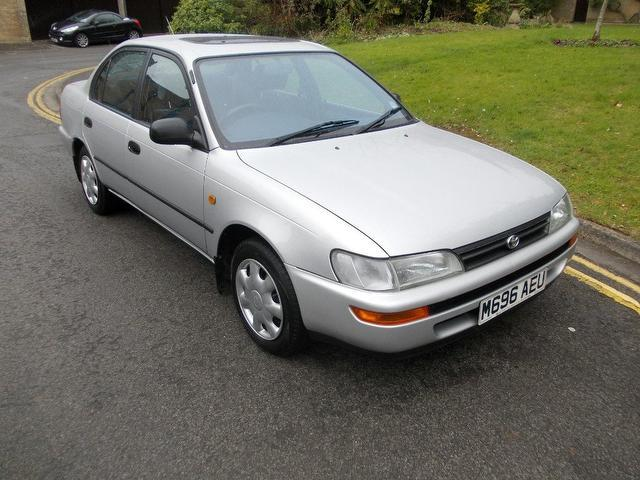 used toyota corolla 2001 petrol 1 6 kudos saloon silver edition for sale in keynsham uk. Black Bedroom Furniture Sets. Home Design Ideas