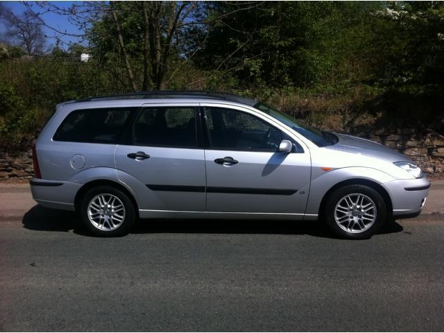 used silver ford focus 2003 petrol 1 6 lx 5dr estate. Black Bedroom Furniture Sets. Home Design Ideas