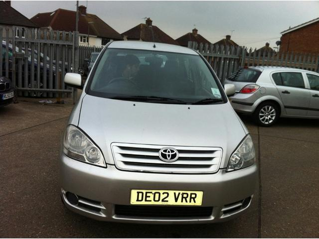 Used Toyota Avensis Verso 2.0 D-4d Gs Estate Silver 2003 Diesel for Sale in UK