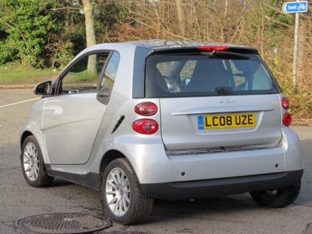 used smart fortwo car 2008 silver unleaded coupe for sale in epsom uk autopazar. Black Bedroom Furniture Sets. Home Design Ideas
