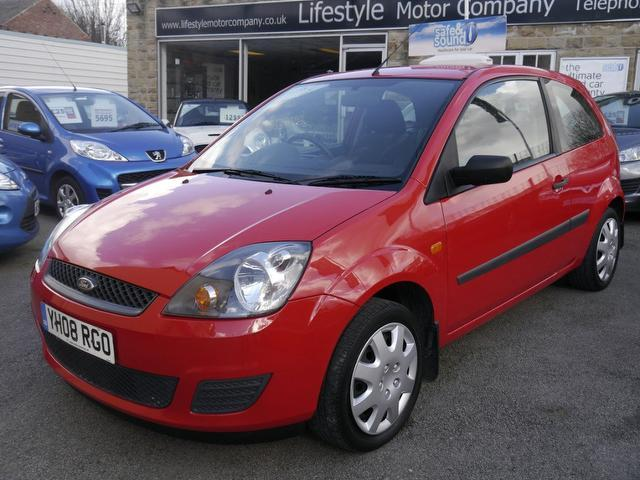 used ford fiesta car 2008 red petrol style 3 door hatchback for sale in wakefield uk. Black Bedroom Furniture Sets. Home Design Ideas