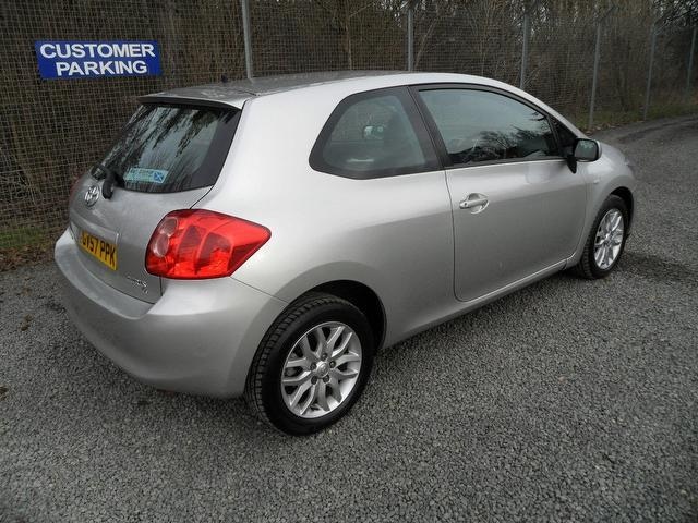 used toyota auris 2008 silver colour petrol 1 6 vvti t3 3 door hatchback for sale in inveralmond. Black Bedroom Furniture Sets. Home Design Ideas