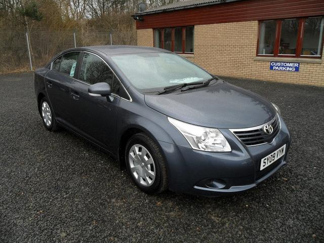 Used Toyota Avensis 1.8 V-matic T2 4 Door Saloon Blue 2009 Petrol for Sale in UK